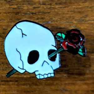 Accessories - Human Skull w/ rose Metal Enamel Pin Badge